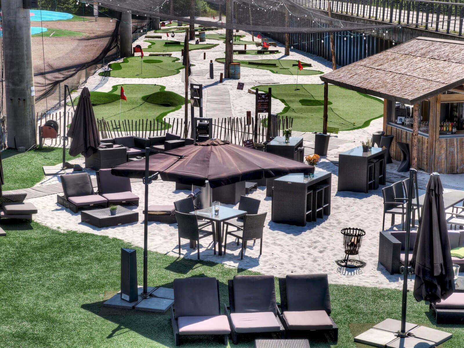 golf lounge hamburg. Black Bedroom Furniture Sets. Home Design Ideas